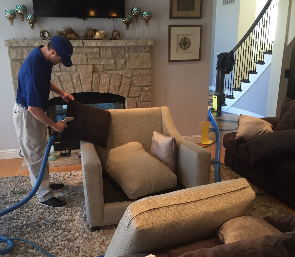 upholstery-cleaning-in-st.-charles-mo.